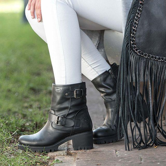 Damenstiefel aus Leder in Schwarz mit Goretex-Membran