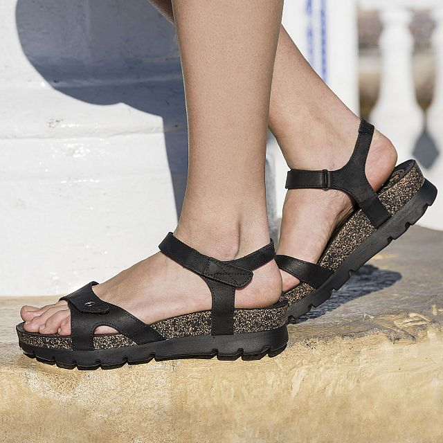 Black leather sandals with a leather lining