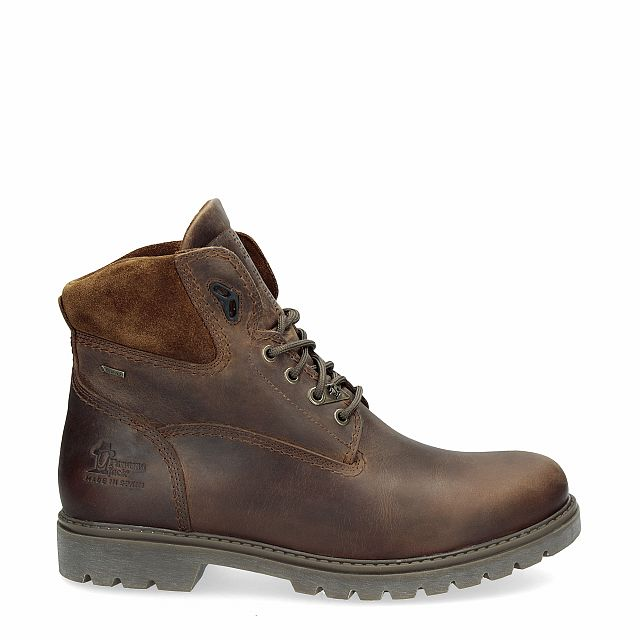 Leather boots in bark colour with goretex inner lining