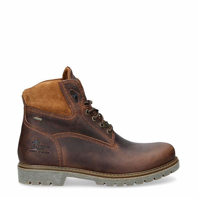 Natural leather ankle boot with a gore-tex lining