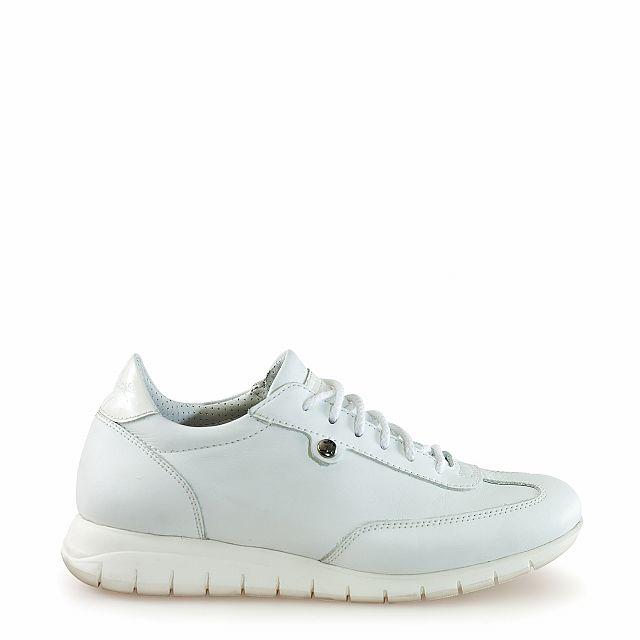 Women's leather sneaker in white