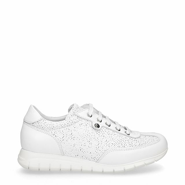 Leather trainer in white with leather inner lining