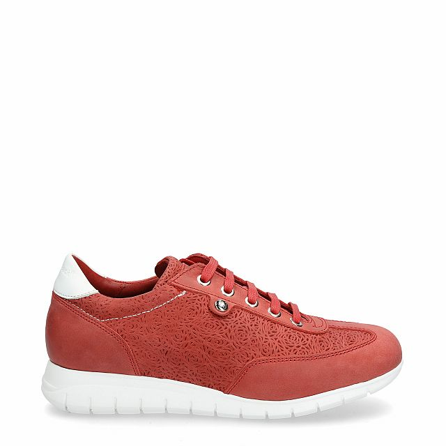 Leather trainer in red with leather inner lining