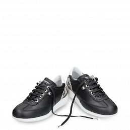 Leather trainer in white black leather inner lining