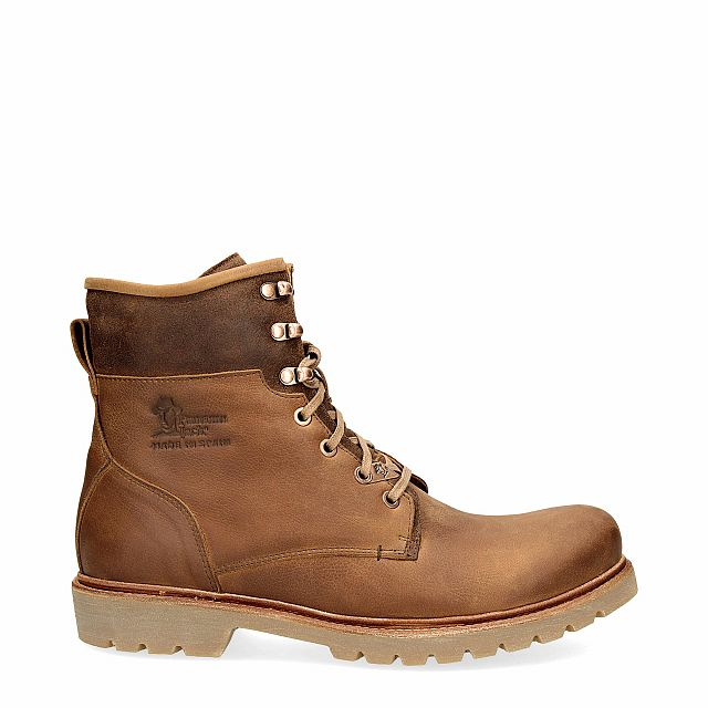 Leather boot in tan with leather inner lining