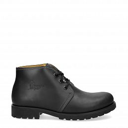 Ankle chukka boots in black with leather lining
