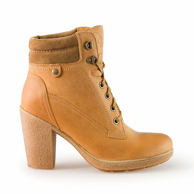 Heeled vintage leather ankle boots with leather inner lining