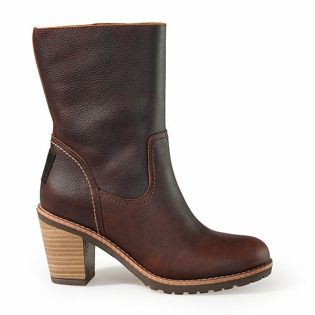 Heeled leather ankle boots in chestnut colour with leather inner lining