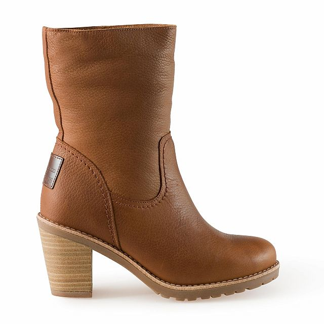 Heeled leather boots in bark with sheepskin inner lining