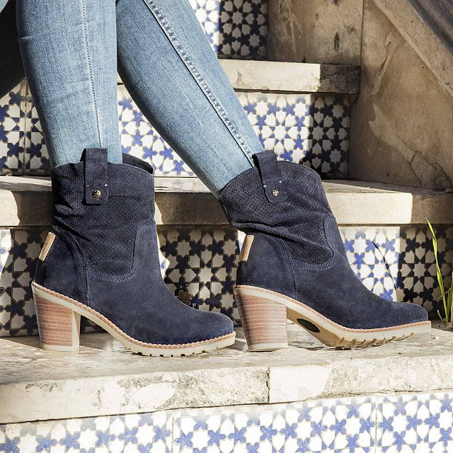 Carnaby Navy blue Velour Woman Footwear