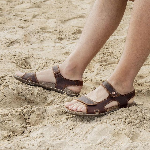 Cesar Explorer Chestnut Napa Grass Man Footwear