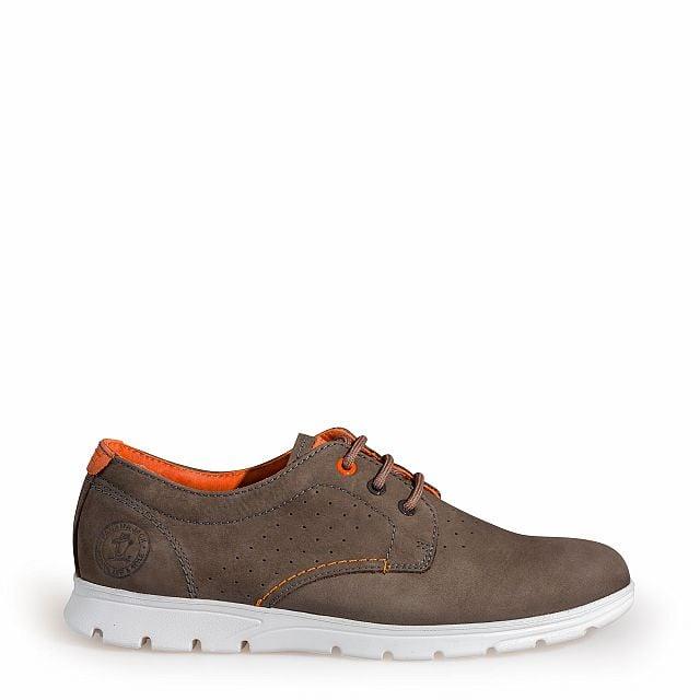 Zapato de piel gris