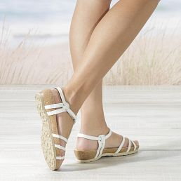 White leather sandals with a leather lining