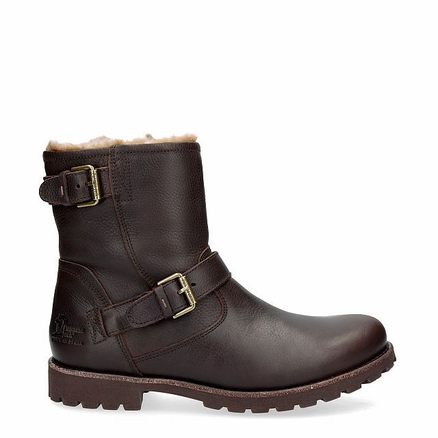 Leather boot in brown with fur inner lining