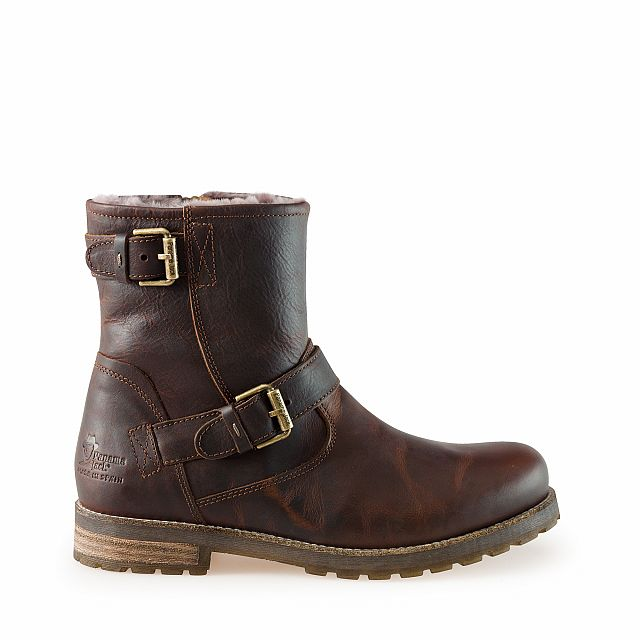 Leather boots in chestnut with sheepskin inner lining