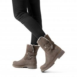 Leather women's boots with soft warm lining