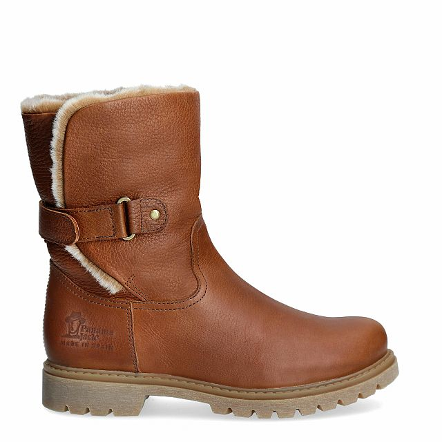 Natural leather boot with warm lining