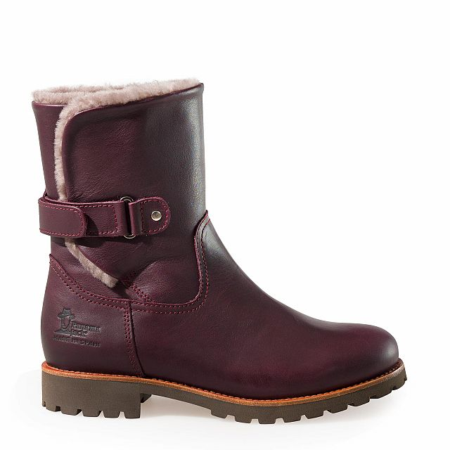 Leather ankle boots in burgundy with sheepskin inner lining