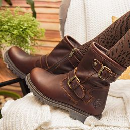 Leather boot in Chestnutbrown with a lining of Sheepskin