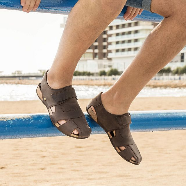 Brown leather sandals with a leather lining
