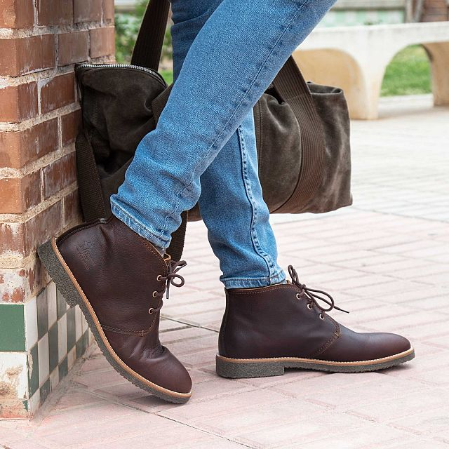 Leather ankle boot in chestnut with a leather lining
