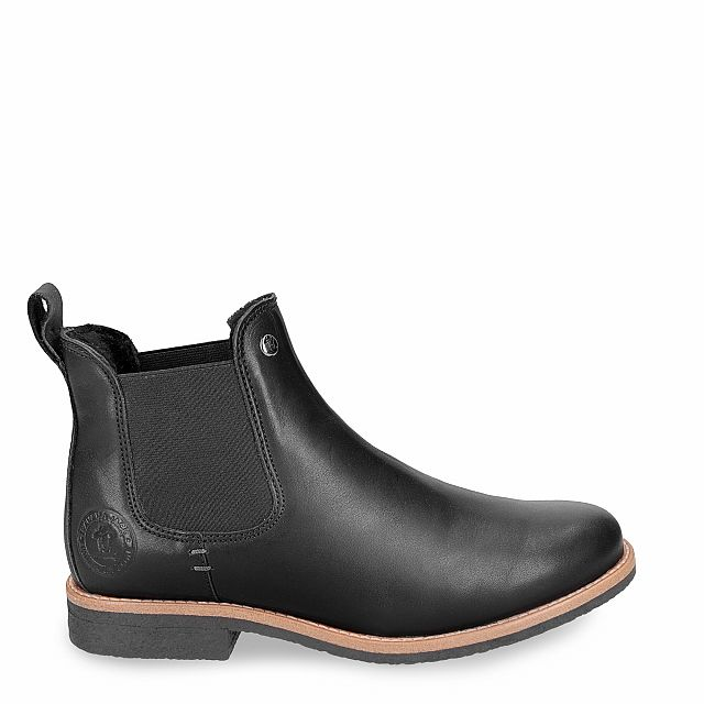 Leather ankle boot in black with sheepskin inner lining