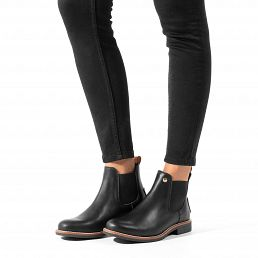 Leather Chelsea women's boot with a leather lining