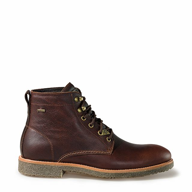 Leather boots in chestnut with goretex inner lining