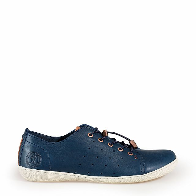 Leather trainer in navy with leather inner lining