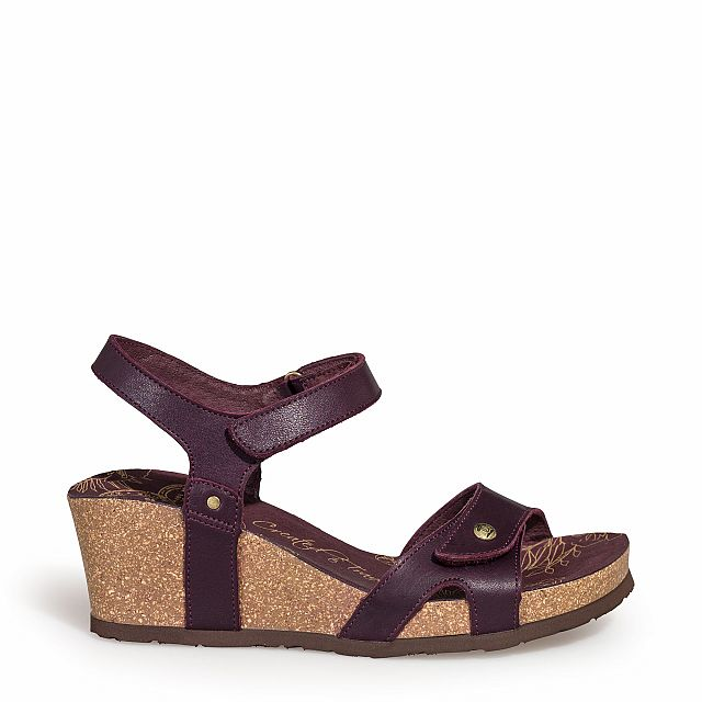 Leather sandal in burgundy with leather inner lining