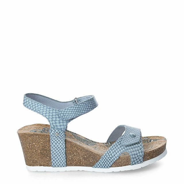 Leather sandal in turquoise with leather inner lining