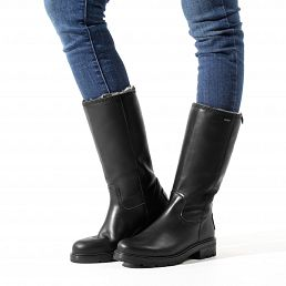 Black leather women's boot with Gore-tex®
