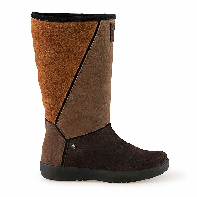 Leather boots in brown with fur inner lining