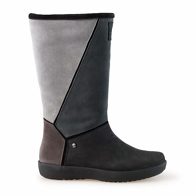 Leather boots in grey with fur inner lining