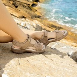 Taupe leather sandals with a lycra lining