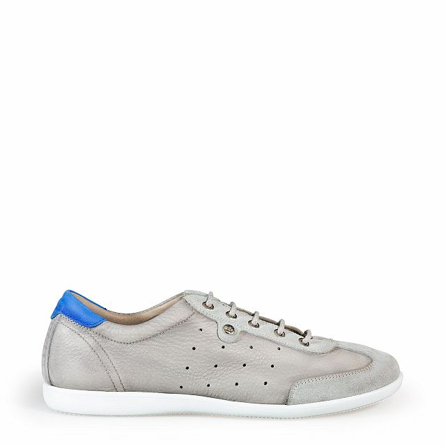 Leather trainer in grey