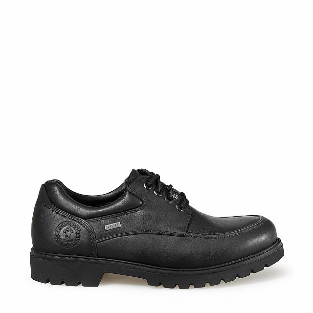 Leather shoes in black with goretex inner lining