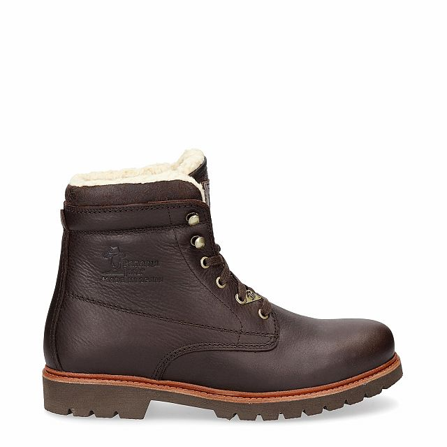 Brown leather boot with a cotton lining