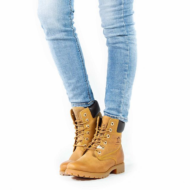 Women's  leather lace-up boots with leather lining