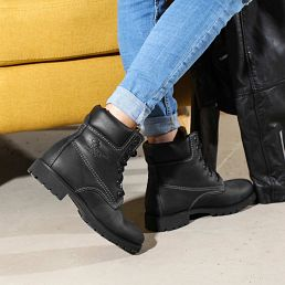 Women's leather boot in black with leather inner lining