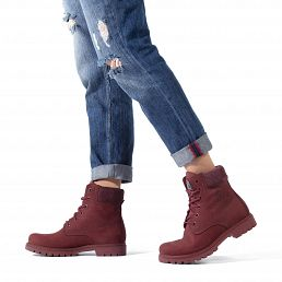 Leather women's boot in burgundy red with a leather lining