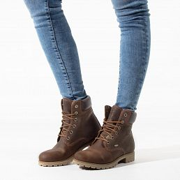 Women´s leather boots with a Gore-tex® lining