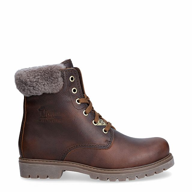 Leather boot in Chestnutbrown with a lining of natural fur