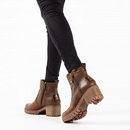 Leather women's boot in bark with a GORE - TEX lining