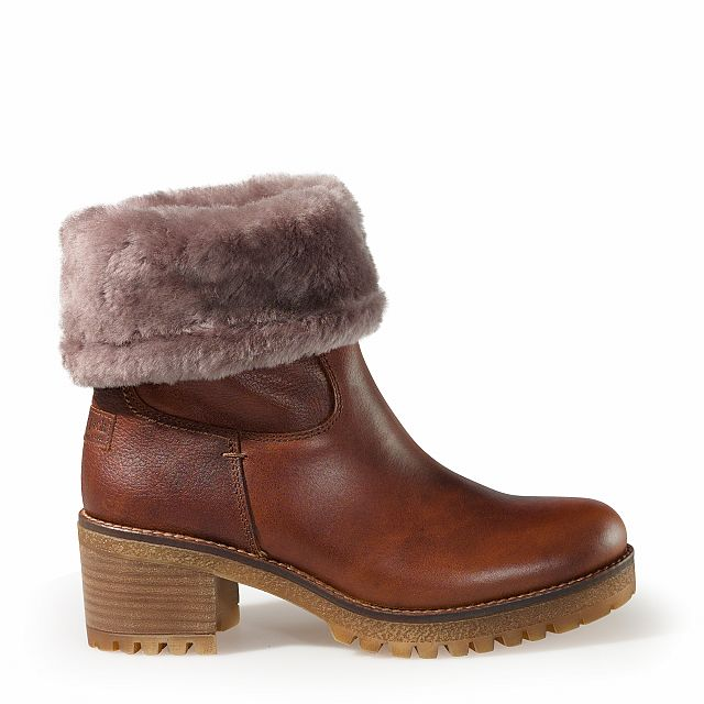 Leather boots in bark with sheepskin inner lining
