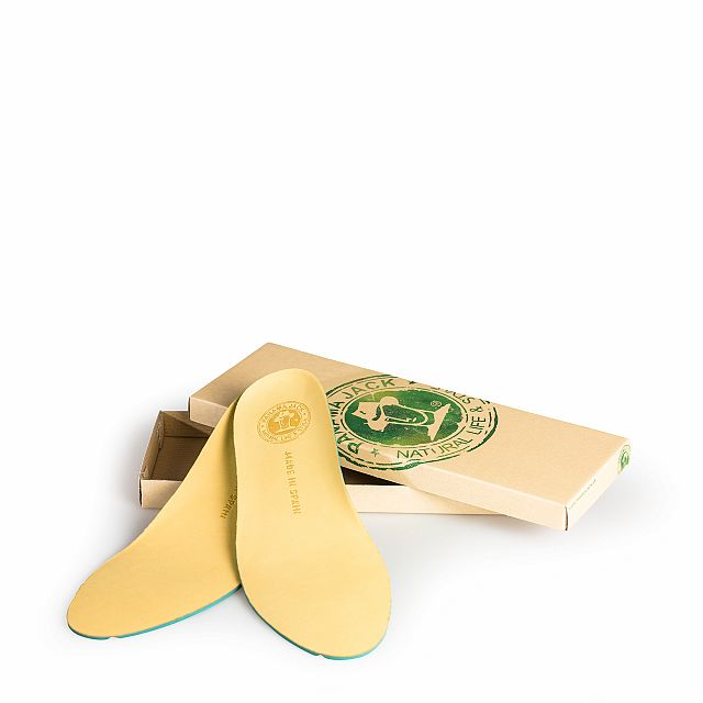Anatomically-shaped insoles lined with vintage leather