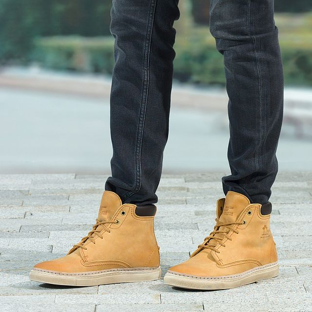 Porto Yellow Nobuck Man Footwear