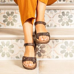 Brown textile sandals with a leather lining