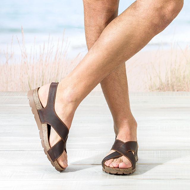Chestnut brown leather sandals with a leather lining