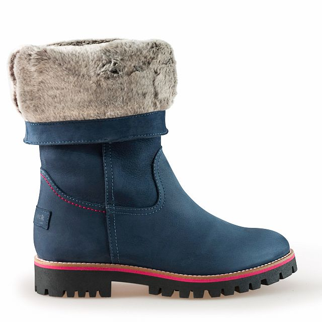 Leather boots in blue with fur inner lining